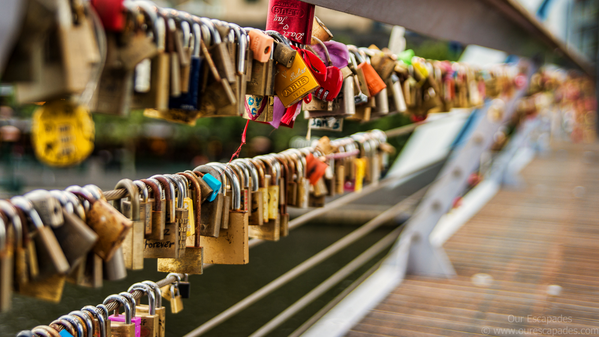 Our Escapades - Love lock Southgate footbridge melbourne